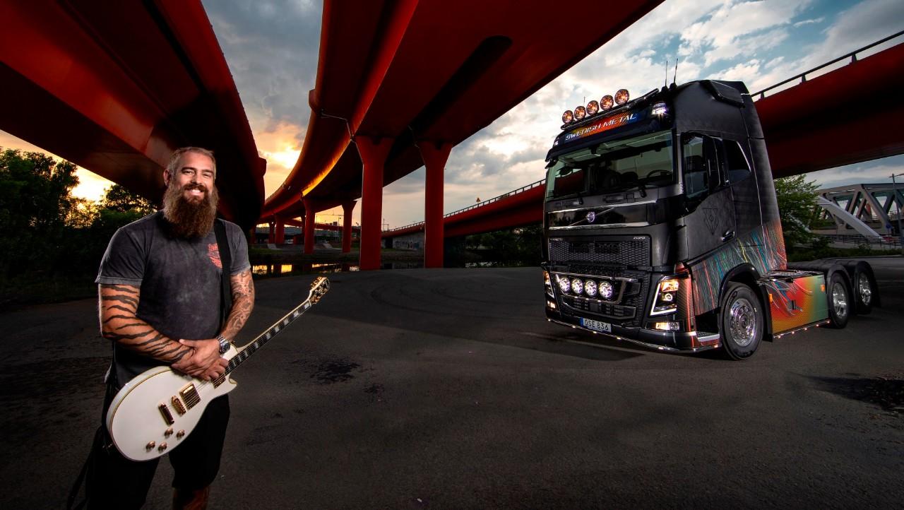 2018-05-29  Göteborg. In Flames-rockaren Björn Gelotte framför sin egendesignade Volvo FH16.  ©Photo by Sören Håkanlind / COPYRIGHT