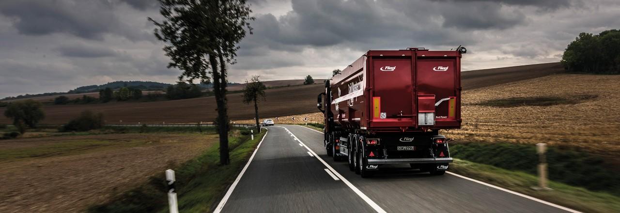 vyhľadajte jazdené nákladné vozidlo Volvo